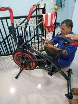 Besi Hitam..sepeda fitness PLATINUm 2 fungsi