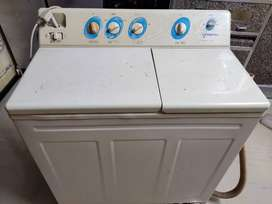Voltas Semi automatic washing machine