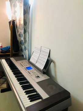 Yamaha dgx640 portable grand piano