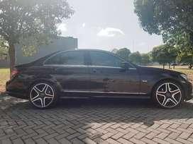 Jual Mercedes Benz C280 Low KM Istimewa