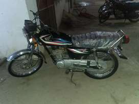 Honda 125cc. Bahwalpur no for sale or instalment.