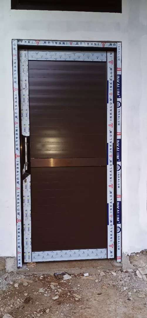 Di jual cepat murah pintu alumunium panel rumah kantor dll. 0