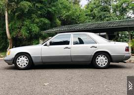 Mercedes-Benz W124 E320 A/T 1994