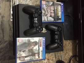 Ps4 Pro 1TB with 2 Controller (2 Discs + 10 DIGITAL GAMES INSTALLED