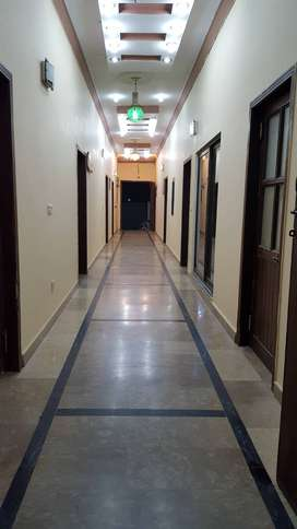 BOYS HOSTEL-UNI OF LHR&JOB HOLDER W/MEN SHARED ROOMS ACCOMMODATION