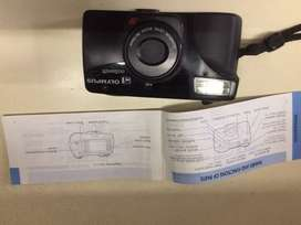 Olympus Infinity Zoom 211 film camera