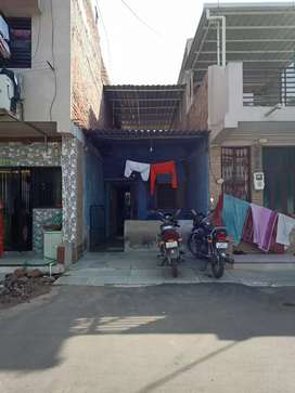 Row House for sell in very good Locality