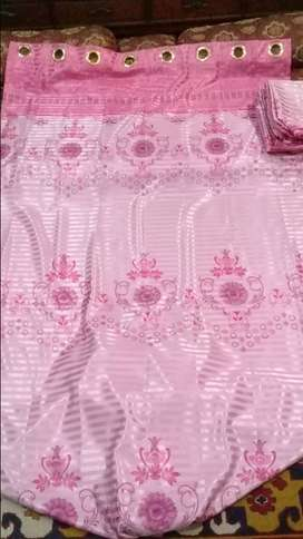 4 curtains in totaly new condition on low price urgent sale