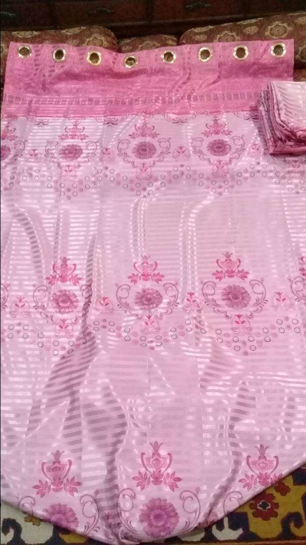 4 curtains in totalu new condition on low price urgent sale 0