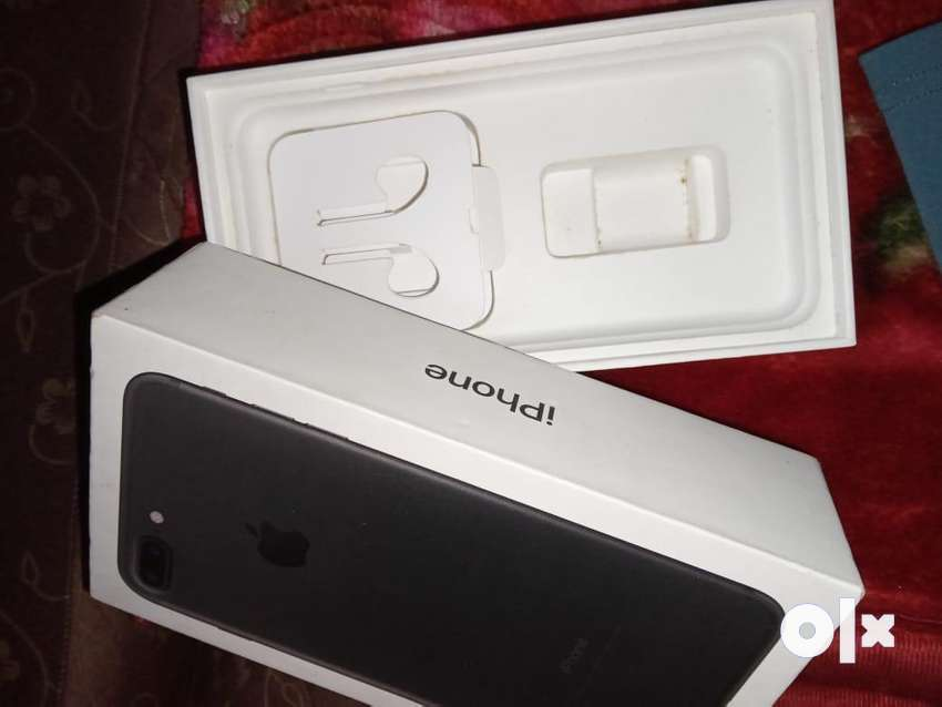 Iphone 7+ with box 32gb