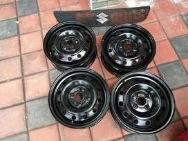 Maruti Suzuki Swift 14 Inch Wheels (4 Nos) & Front Grill Black Colour.