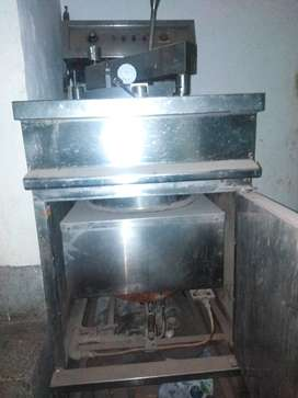 Henny penny Fryer and steamer mughal steel
