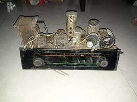 Mesin radio tabung lawas,ngak tau merk nya,mata kuncing ada,kaca utuh