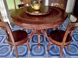 Meja makan cantik klasik