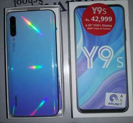 Huawei y9s with box and charger in 10/10 condition