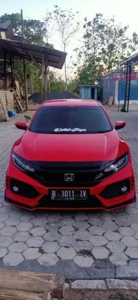 Honda civic hatchback thn 2018