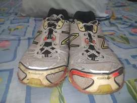 Sepatu New Balance Ukuran 46,5 Original - Minus Dikit