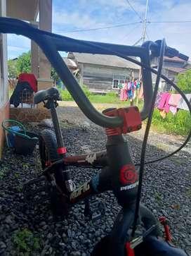 Sepeda pacific edisi Batman kondisi tinggal pakai ja lagi