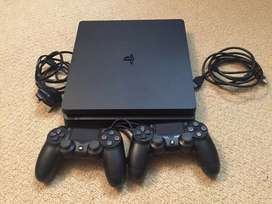 18 Games+2 Controllers+PS4 1TB Slim Modal Sony 8 Month old 4 Month War