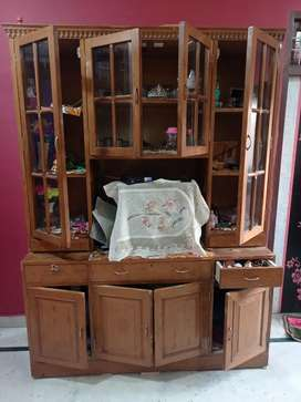 Wooden showcase verry good quality only 1 year old