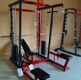 Alat fitnes smith machine multifungsi