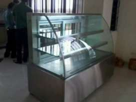 Cake Displays and Cake Chillers
