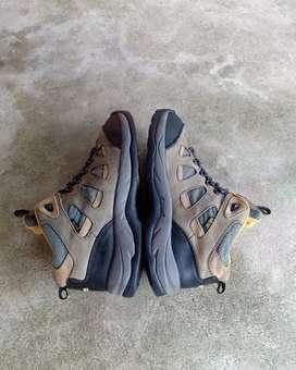 Sepatu Outdoor K2 MID