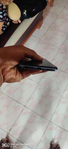 Vivo v15 6gb ram 64gb rom box available cleancondin. Girl used mobile