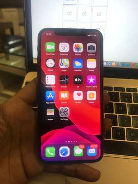 Brand new iphone XS phone64 gb  (with box and accesories)