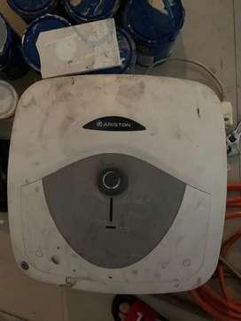 Di jual water heater ariston dan delizia