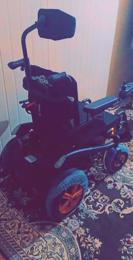 Wisking 1036 electric handicapped power wheelchair