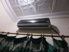 Orient and gree Dc inverter 1 ton only few months used