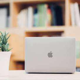 Moshi 99MO071908 iGlaze Hard Case for 2018 MacBook Pro 15 with Thunder