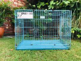 Dog cage good condition