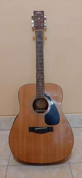 Gitar akustik Yamaha FX 310