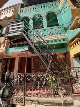 3 floor ready house in center of harihar