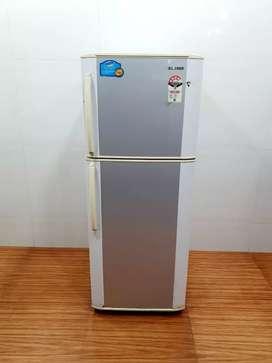 Samsung double door 240 litre refrigerator