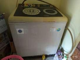 Dijual cepat mesin cuci 9.5kg merk Samsung