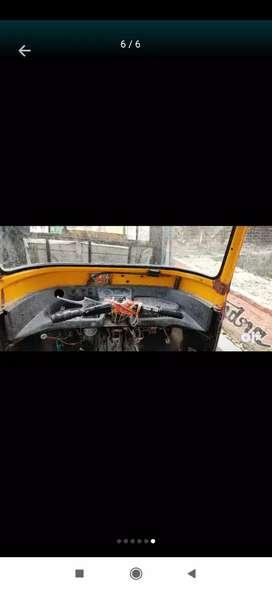 Piaggio diesel  pasenger  padari bazar Gorakhpur faltu call  na kare