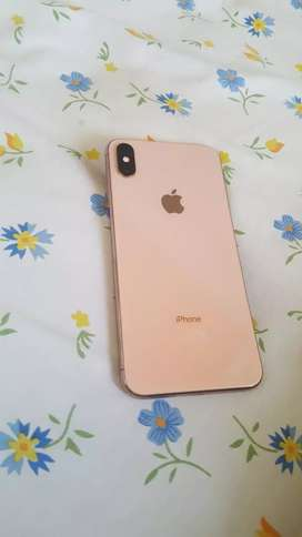 XS Max 64 in very good condition