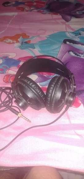Vault studio headphone