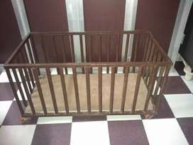 Baby brawn cot