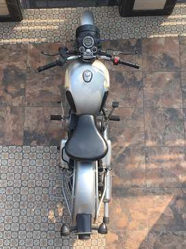 Bullet classic 350 cc silver. Tool kit intact. Brand new battery.