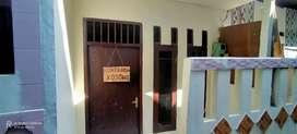 Dikontrakkan rumah 2 tingkat bebas banjir , bulanan atau tahunan