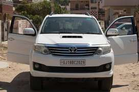 Toyota Fortuner AT 2012 White New tyre