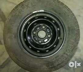 Maruti suzuki Alto car rim & tyre