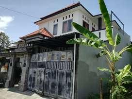 Rumah Mewah Lantai 2 Batubulan Milik Pribadi BUC