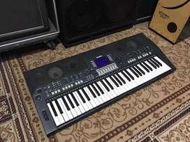 Keyboard Yamaha PSR S550