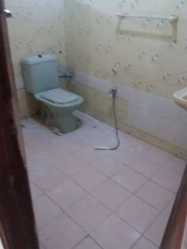 2 bad 2 bath ground Portion for rent in g 10