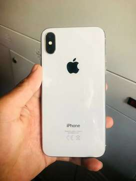iPhone X 256gb 100% condition box charger headphone